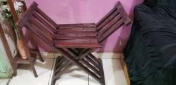 Banqueta antiga de madeira estrutura retrátil