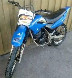 Xr 230, moto de trilha