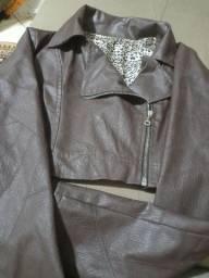 Jaqueta marrom, couro sintético, P.