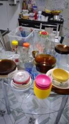 Louças: pratos, copos, taças, jarras, xicaras