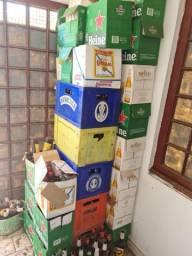 5 caixas e vasinhames (Tudo 200,00 )