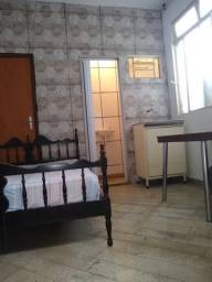alugo suite /kitnet feminina 450