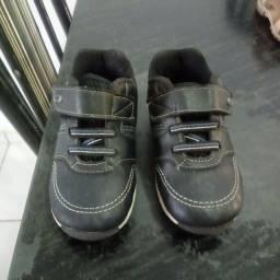 Sapato klin número 25