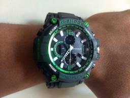 G-SHOCK Preto com Verde