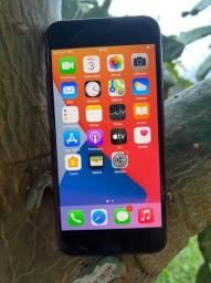 iPhone 8 64 GB muito bem conservado