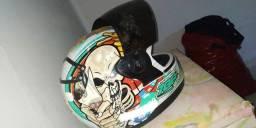 Vendo capacete usado