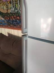 vendo um Linda geladeira  fross free duplex *