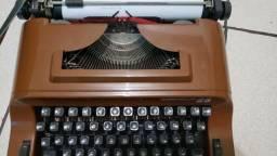 Maquina De Escrever Portatil Remington 25