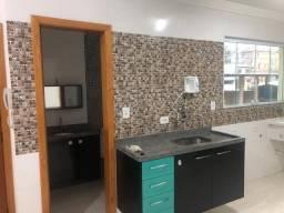 Alugo casa em condomínio fechado, acesso a pé ao Metrô Vila Matilde