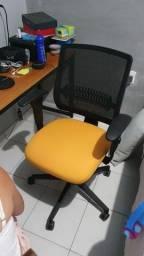 Cadeira seminova Flexform