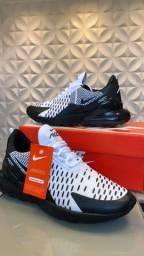 Tênis Primeira linha Nike 270