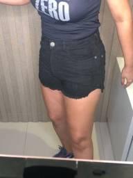 Shorts preto usado uma vez