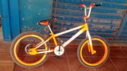 Vendo bicicleta Pro X com freio a disco traseiro leia a descrição