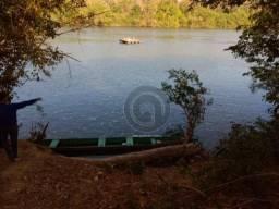 Chácara em acorizal beira do rio