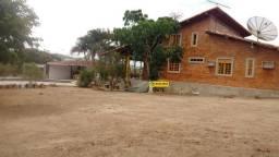 Alugo Chácara com 2 casas 2 baias, a 300,Metros, da Com. Da Fonte em Gravatá-PE