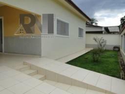 Vendo uma casa no setor Ceará, em Aragarças-GO