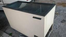 Frizer tampa de vidro 110V. 450,00