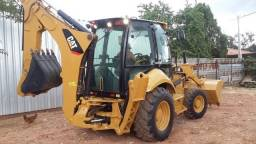 Retroescavadeira Caterpillar 416E 2014