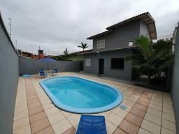 Casa com piscina para temporada
