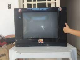 Vendo TV em ótimo estado de conservação