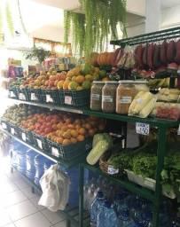 Vendo ponto comercial de Verdureira e Mercearia em geral