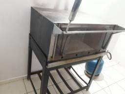 Vende-se um forno em bom estado 800 reais  mais informação 62 9  *