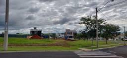 Terreno 305m, Plano e Super bem localizado no Condomínio Verana
