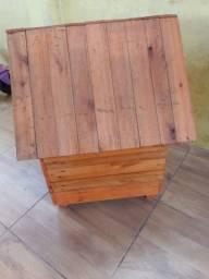 Vende-se casinha de cachorro de madeira valor 180,