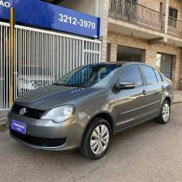 VW Polo Sedan 1.6 2014 Completo