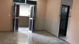 Ampla casa 2Qt com Vaga de Garagem em Curicica