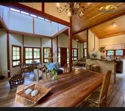 Casa com 3 dormitórios à venda, 160 m² por R$ 530.000,00 - Capivari - Campos do Jordão/SP