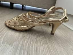 Sandália Salto Fino Curto Dourado Tiras Bebêce Tamanho 36