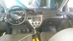 Vendo Focus sedan 2.0 16 válvulas Duratec completo