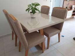 Mesa 4 cadeiras apenas 8 meses de uso