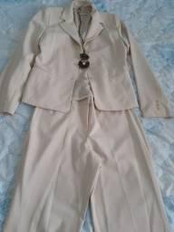 Conjunto de blazer e calça de linho novo