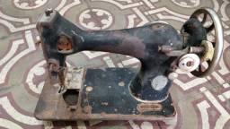 Vendo sucatas e máquinas de sucatas antiga