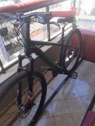 Bicicleta top de linha em ótimo estado