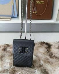 Bolsa feminina pequena preta , porta celular e documentos
