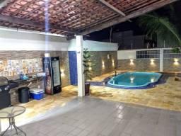 Casa solta com piscina