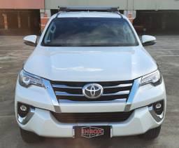 Hilux SW4 2.8 SRX 4X4 Diesel * Garantia de Fábrica * Único Dono *Impecável *