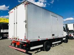 financiamos caminhão Iveco Daily 70C17 2018 - Furgão