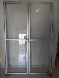 Porta de vidro e alumínio e vidro