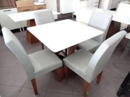 Mesa Sala de jantar tampo de vidro 4 cadeiras