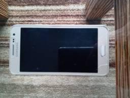 Celular Samsung A3 - R$300,00
