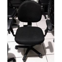 Cadeira giratoria usada