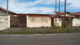 Casa com Frente para 2 Ruas no Belmira Novaes - Não dá Financiamento - CA0005