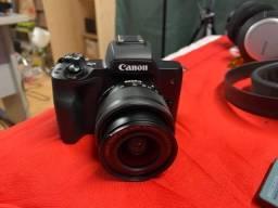 Canon M 50 - lente do kit - Novíssima! Menos de 100 clicks.