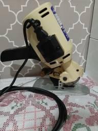 Máquina elétrica  de cortar tecido