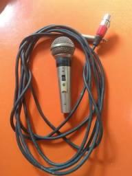 Microfone profissional usado
