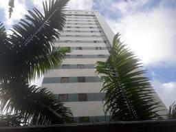Flat em Casa Forte.Excelente oportunidade de morar no bairro mais charmoso da cidade.